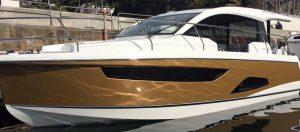 Ochrona lakieru łodzi folią bezbarwną