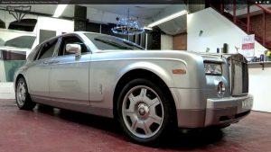 rolls royce phantom gloss white wrap